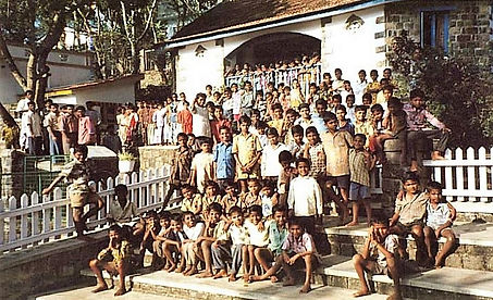 Children at TDG 2001 (2).JPG