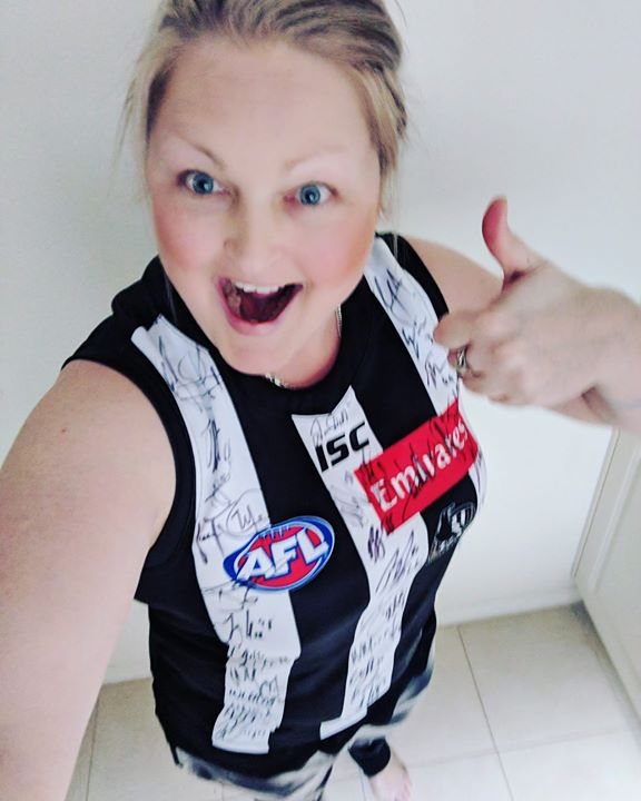 A big thanks to Collingwood for giving one of my special clients a special treat xx.jpg