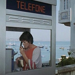 telephone_paris.jpg