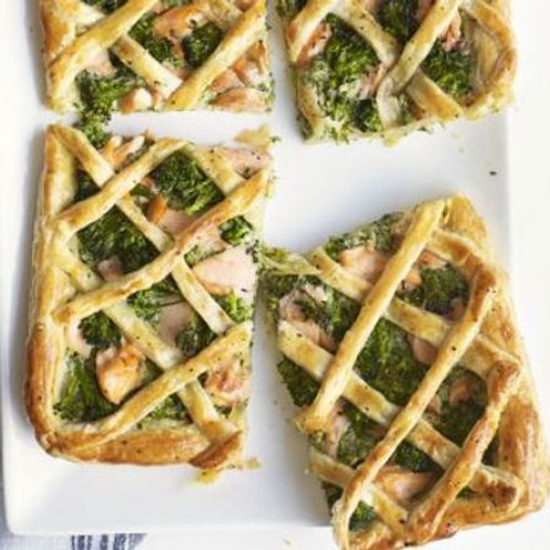 Salmon & broccoli lattice tart