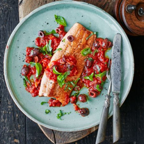 Trout with tomato sauce