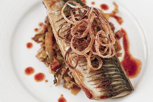 Pan-fried mackerel, chorizo-braised leeks and shallot crisps