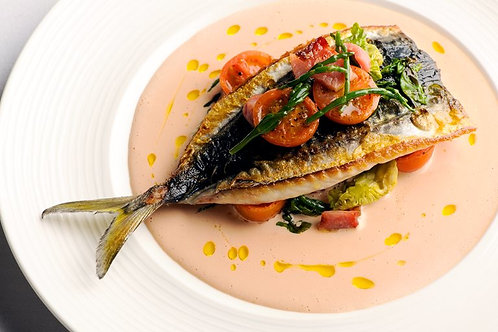 Mackerel, tomato and samphire salad