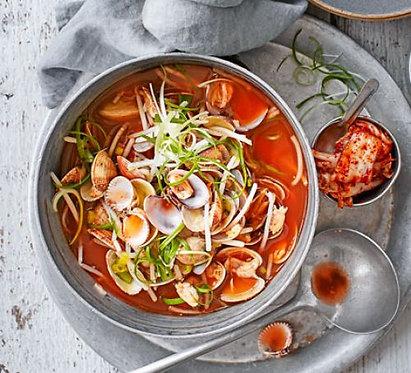 Jogaetang (Korean clam broth)