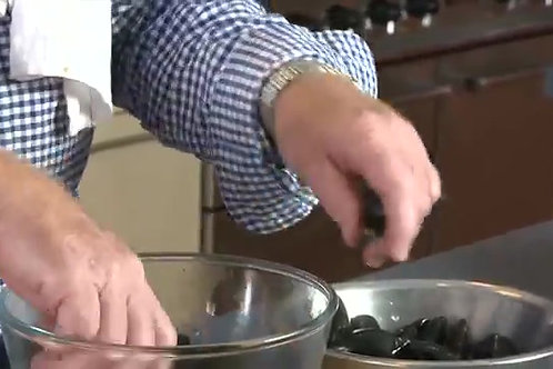 How to clean, prepare and cook mussels