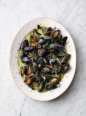 Jamie's creamy Cornish mussels