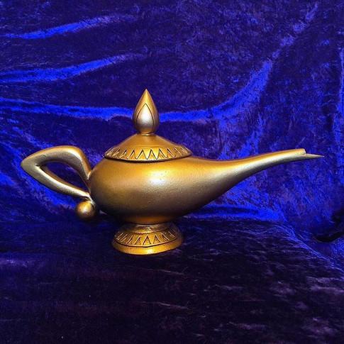 Classic animated Aladdin lamp replica. F