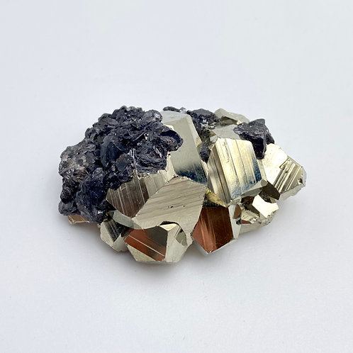 Pyrite with Magnetite