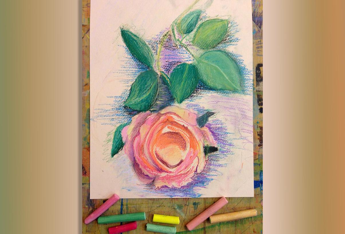 Ева 9 лет. Роза с натуры. Пастель.