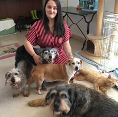 Samantha avec Fifille, Didi, Daisy, Ragnar et Téo