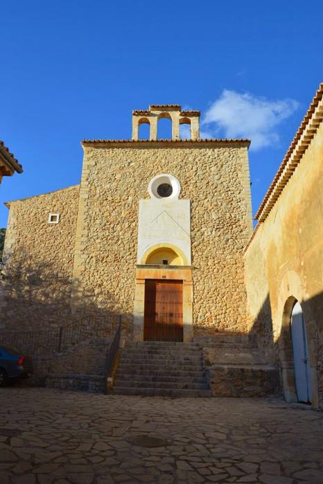Iglesia Caimari.jpg