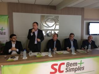 Secretário Chiodini lança SC Bem Mais Simples na ACIT