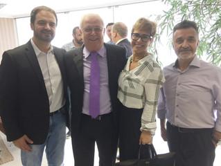 Jornalista Arilton Barreiros recebe homenagem na ACIT