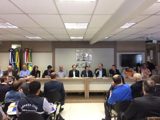 Reunião do Fórum Parlamentar Catarinense mobiliza lideranças na ACIT