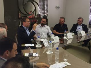 Logística é pauta de reunião com o presidente da FIESC na ACIT