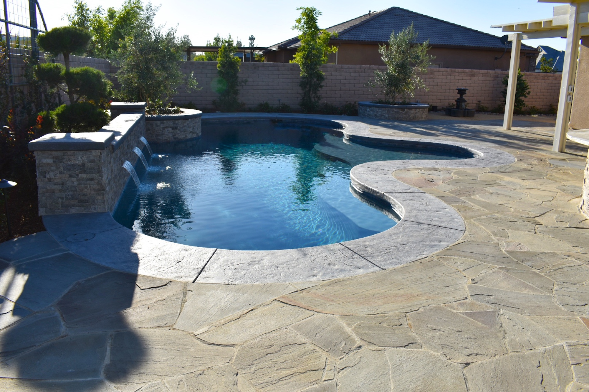Bakersfield pool builders