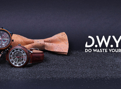 D.W.Y.T:  Men's Square - Red - Vintage leather