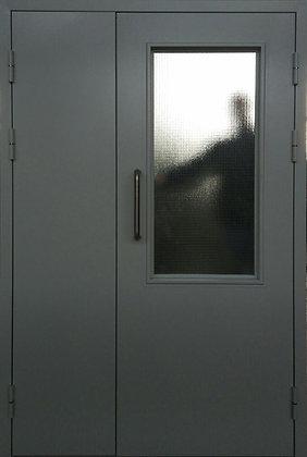 Дверь техническая с армированным стеклом , ручка скоба.