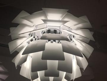 Почему не стоит покупать подделки известных светильников? Чем это грозит, помимо осознания, что это
