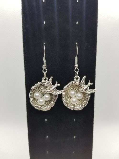 Bird nests with pearls earrings