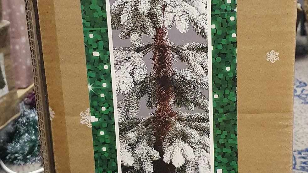 Christmas Wonderland 4ft/1.2m snowy larch artificial Tree
