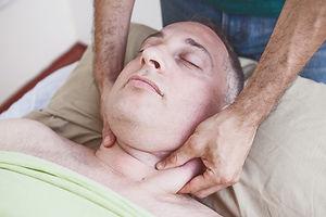 טיפול לצוואר תפוס