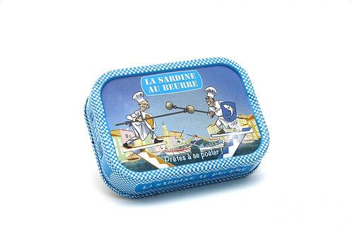 Sardinen mit Butter und Salzflocken zum Braten