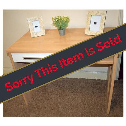 Light Wood Dresser / Desk Ref: 518