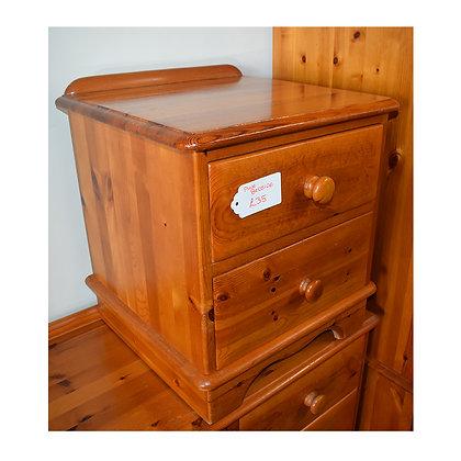 Pine Bedside Cabinet (Ref: 721)