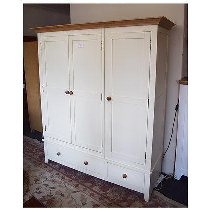 Modern Triple Door Wardrobe (Ref: 709)