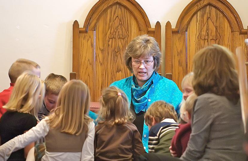 1990s - Pastor Maggie & Children Message