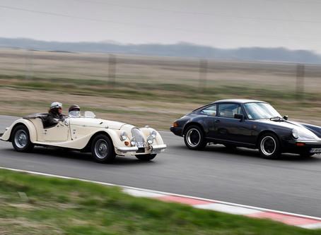 Start spectaculos de sezon pentru automobilele istorice