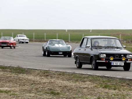 Start de sezon pentru automobilele istorice