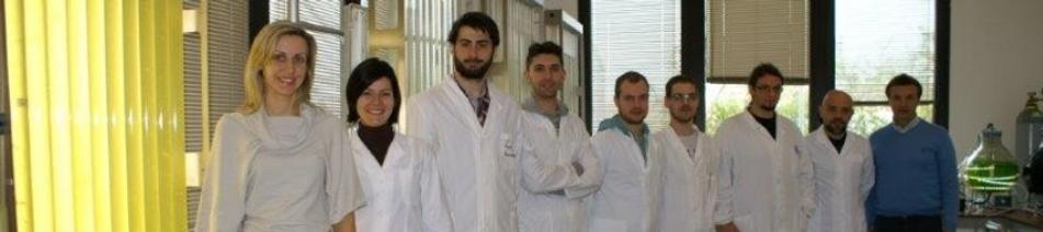 Stagiaires en laboratoire