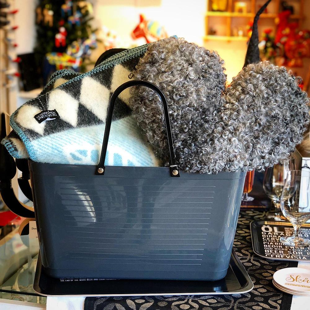Hinza tote bag, Lina Johansson blanket, Gotland sheep wool pillow.