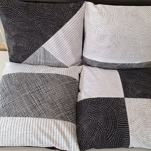 Cushion kit set of 4 black/white
