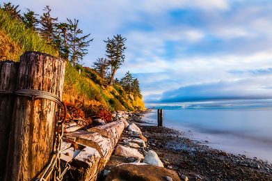 A rustic jumbled beach scene on Whidbey