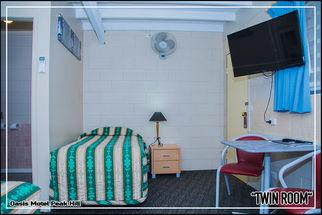 Oasis Motel Peak Hill - book Twin Room - 015
