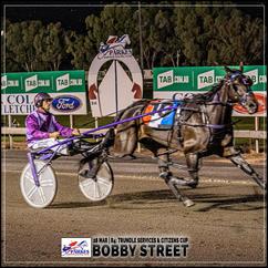 BOBBY STREET  wins at the Parkes Trots