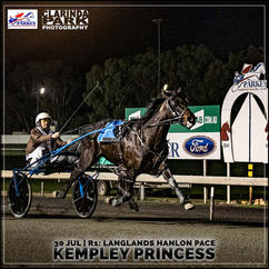 KEMPLEY PRINCESS, driven by Andrew Ward, won at the Parkes Trots