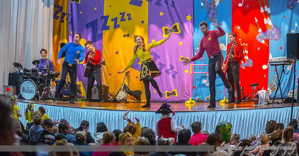 Clarinda Park Photography takes photo at The Wiggles Wiggle Around Australia Tour 2017 in Parkes Leagues Club.