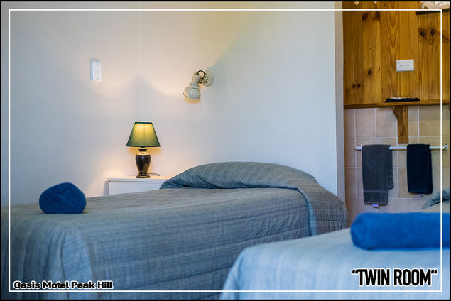 Oasis Motel Peak Hill - book Twin Room - 013