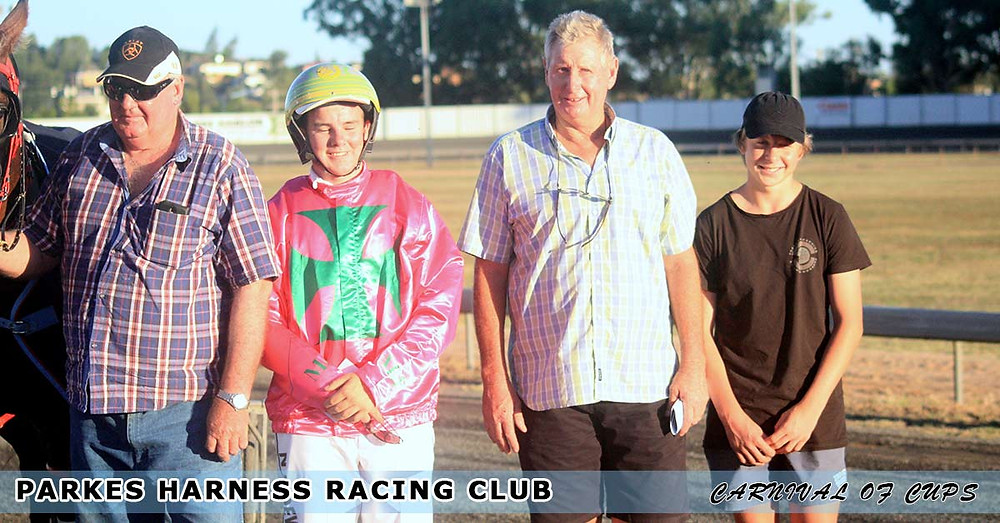 Parkes Harness Racing Club New Year's Eve Carnival Of Cups Race 4 Medlyns Castrol. Nic Dewar, Kevin Medlyn, Blake Medlyn.