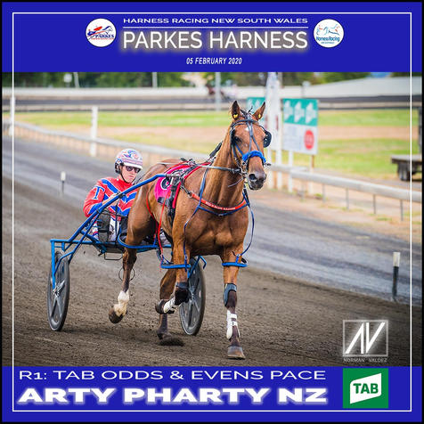 PARKES HARNESS - Race 1 - TAB ODDS & EVENS PACE - ARTY PHARTY NZ wins at Parkes Trots.