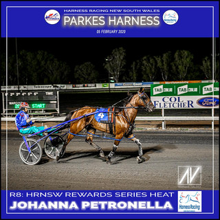 PARKES HARNESS - Race 8 - HRNSW REWARDS SERIES HEAT - JOHANNA PETRONELLA wins at Parkes Trots.