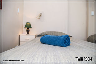 Oasis Motel Peak Hill - book Twin Room - 022
