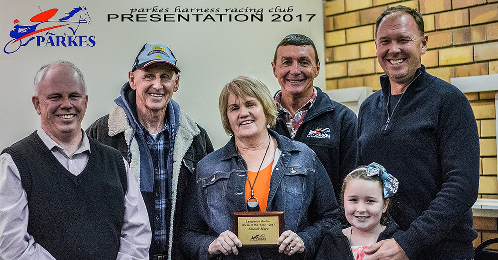 SMOOTH MACE awarded as Langlands Hanlon Horse Of The Year for The Parkes Harness Racing Season 2016-2017.