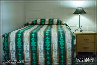 Oasis Motel Peak Hill - book Twin Room - 007