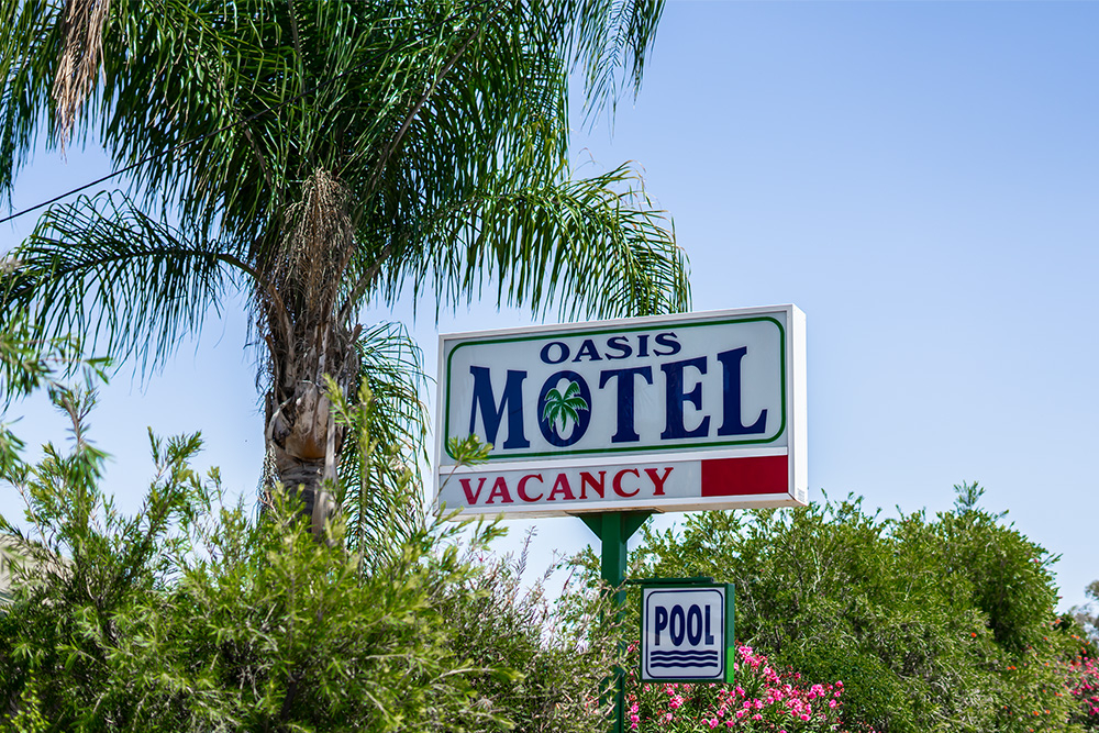Oasis Motel - Photos - Home - Main Banne