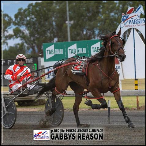 GABBYS REASON, driven by Nathan Hurst, wins at Parkes Trots